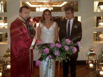 Teoman Ayşe Kaya Evlenme Görüntüleri İzle