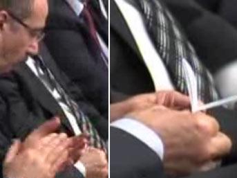 Başbakan konuştu, Bakan uçak yaptı
