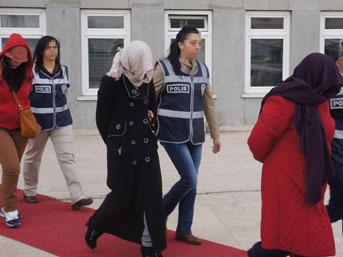 Fuhuş çetesine 'battaniye' baskını:26 gözaltı