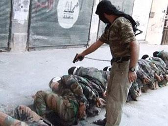 Esad askerlerine El Kaide usulü infaz