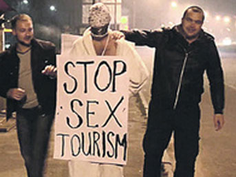 Ukrayna'da Türk'e seks dayağı