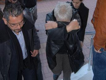 Gümrük Müdürü'ne kadın rüşveti
