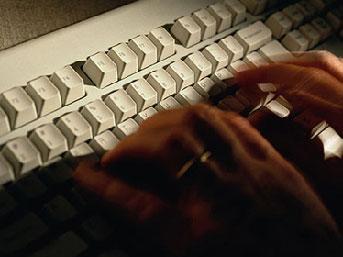 İnternet sapığı suçüstü yakalandı