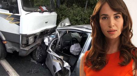 Esra Ronabar trafik kazası geçirdi