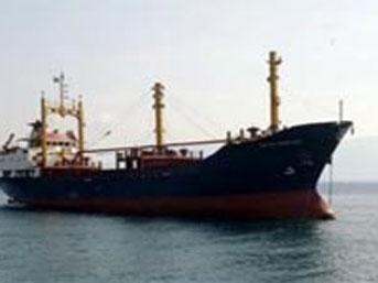 Antalya'da kuru yük gemisi battı