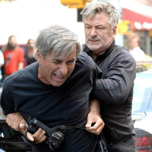 Ünlü aktör gazeteciye saldırdı